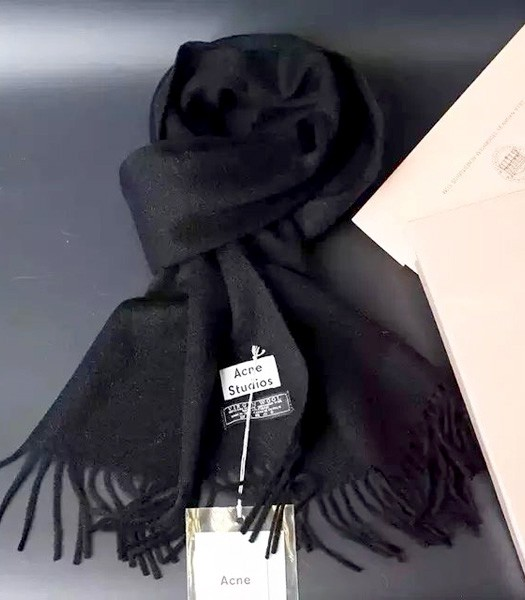 Acne Studios High-quality Lamb Wool Scarf In Black