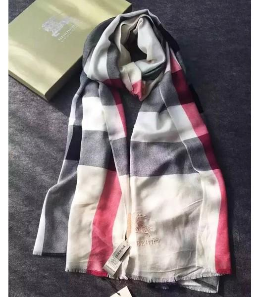 Burberry High-quality England Plaid Scarf In Black