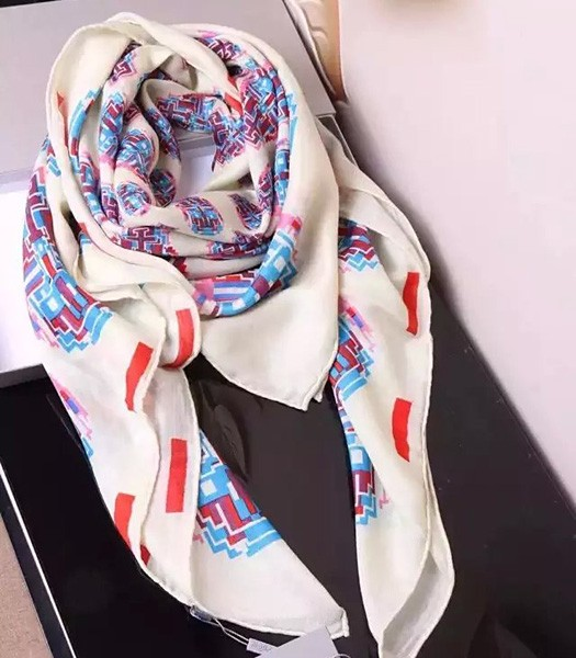 McQueen Hot-sale Facebook Printing Square Scarf In White