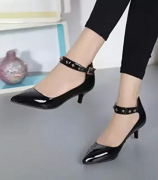 Roger Vivier Calfskin Patent Leather Shoes In Black
