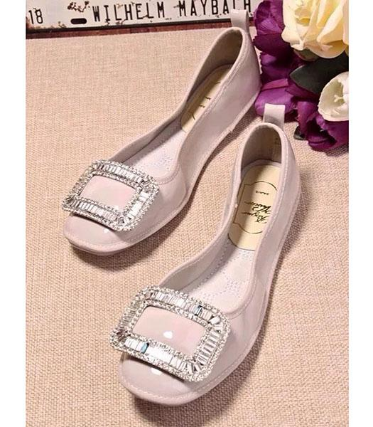 Roger Vivier Patent Leather Crystal Decorative Dancing Shoes In White