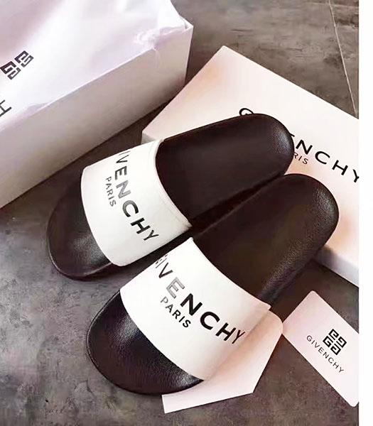 Givenchy White Leather Flat Casual Slippers