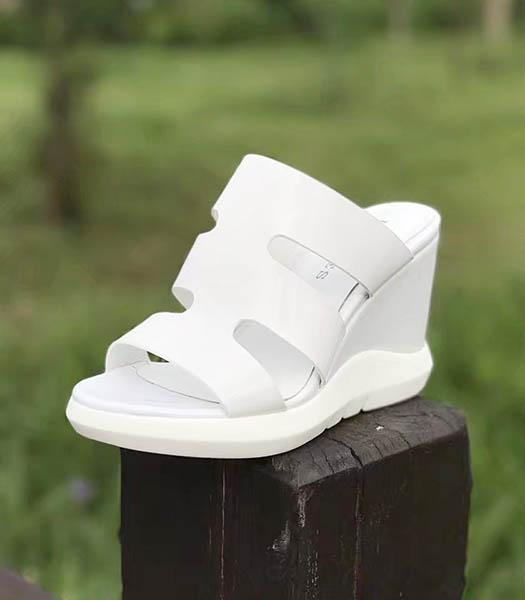 Hermes White Patent Leather 9.5cm Wedges Sandals