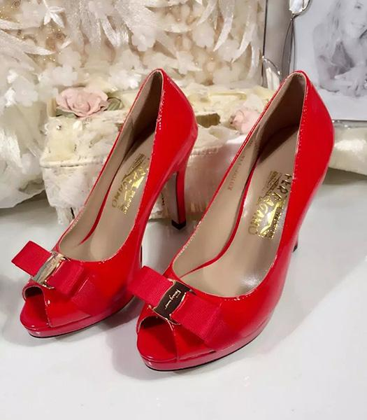 Ferragamo Red Patent Leather Fish Head 10.5cm Pumps